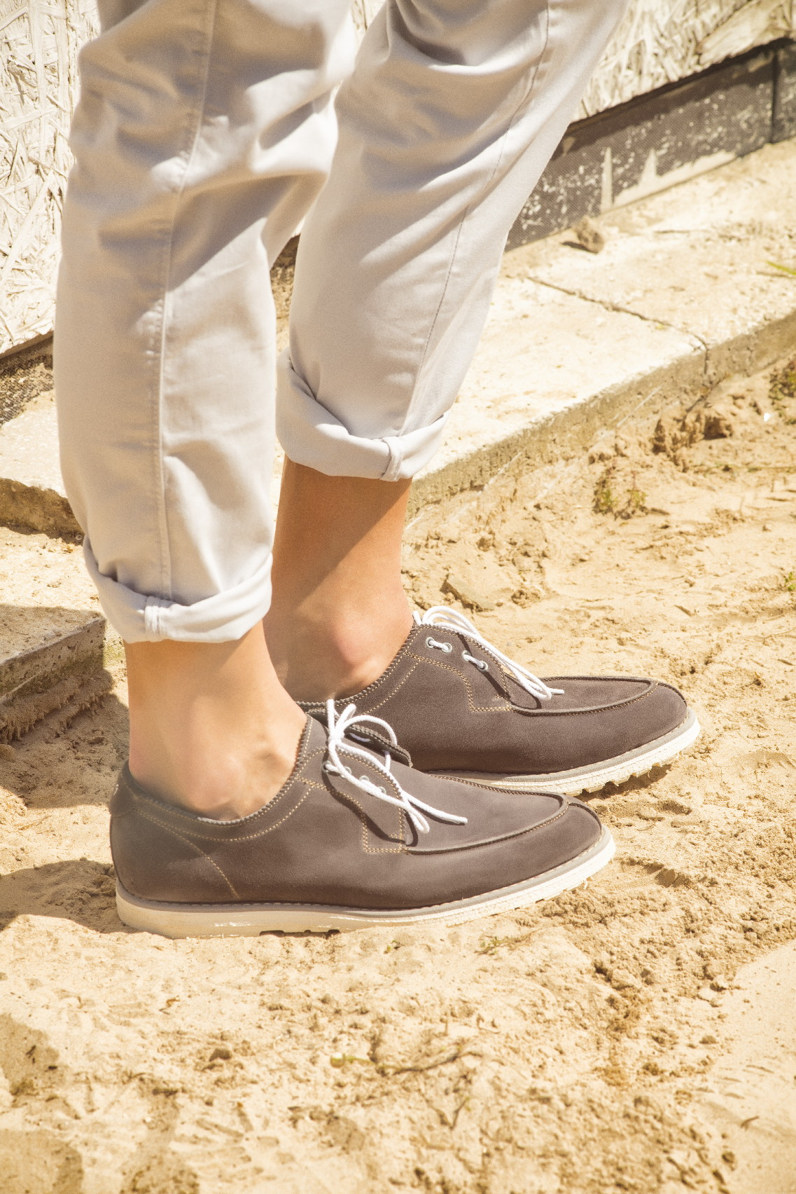 Suede shoes: how to choose, wear and clean them
