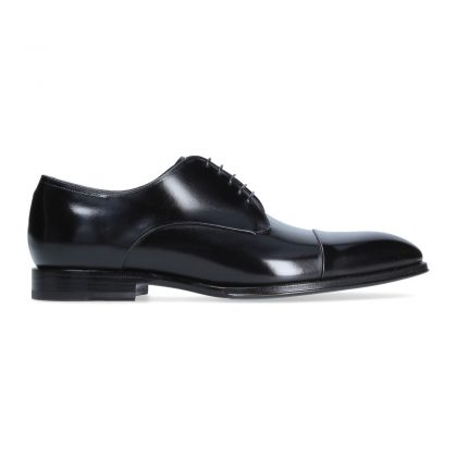 Black derby with cap toe
