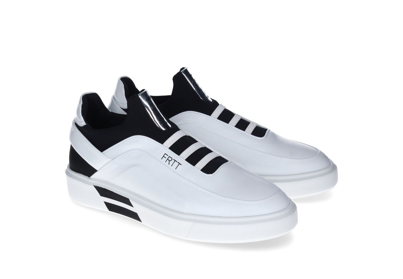 Black and white sneaker FRTT